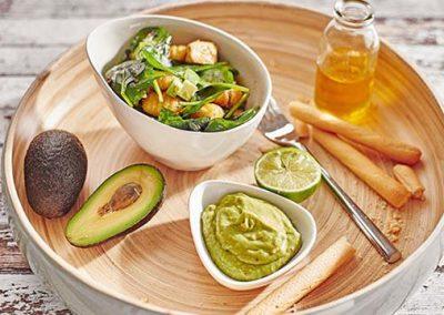 Gnocchisalat mit Huhn und Avocado